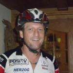 12.08., 16.06 Uhr, Winni - immer mit Helm